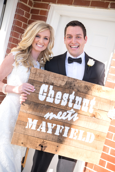 pallet sign at wedding