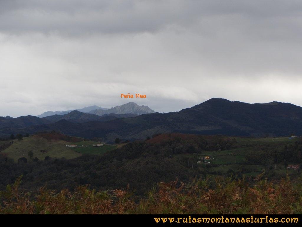 Ruta Olloniego Escobín: Vista de Peña Mea