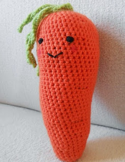 http://translate.google.es/translate?hl=es&sl=en&tl=es&u=http%3A%2F%2Ftheperfecthidingplace.blogspot.co.uk%2F2014%2F04%2Fa-crochet-carrot-free-pattern.html