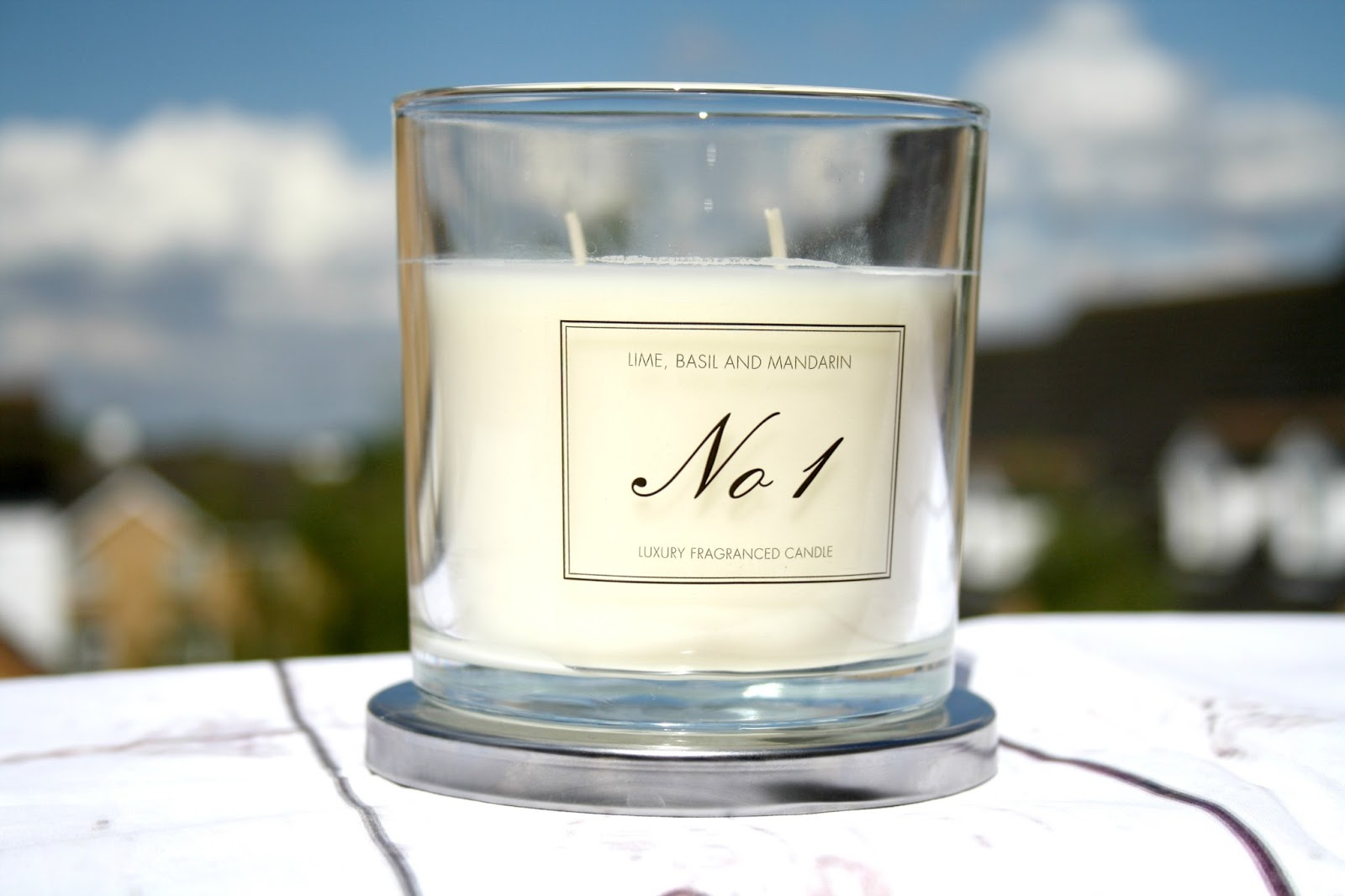 With this candle you can smell both the Lime and the Mandarin before it is  lit and then as the candle burns the basil comes to life and I was quite ...