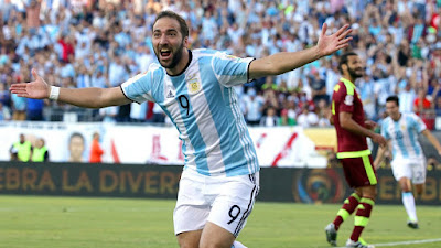 #Higuain :The Three Major Mistakes By Higuain that cost Argetina 2 Major Tournaments and a World Cup