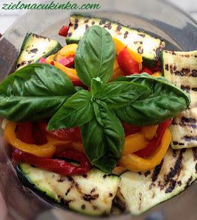 Cukinia i papryka po włosku to świetny przepis na przystawkę