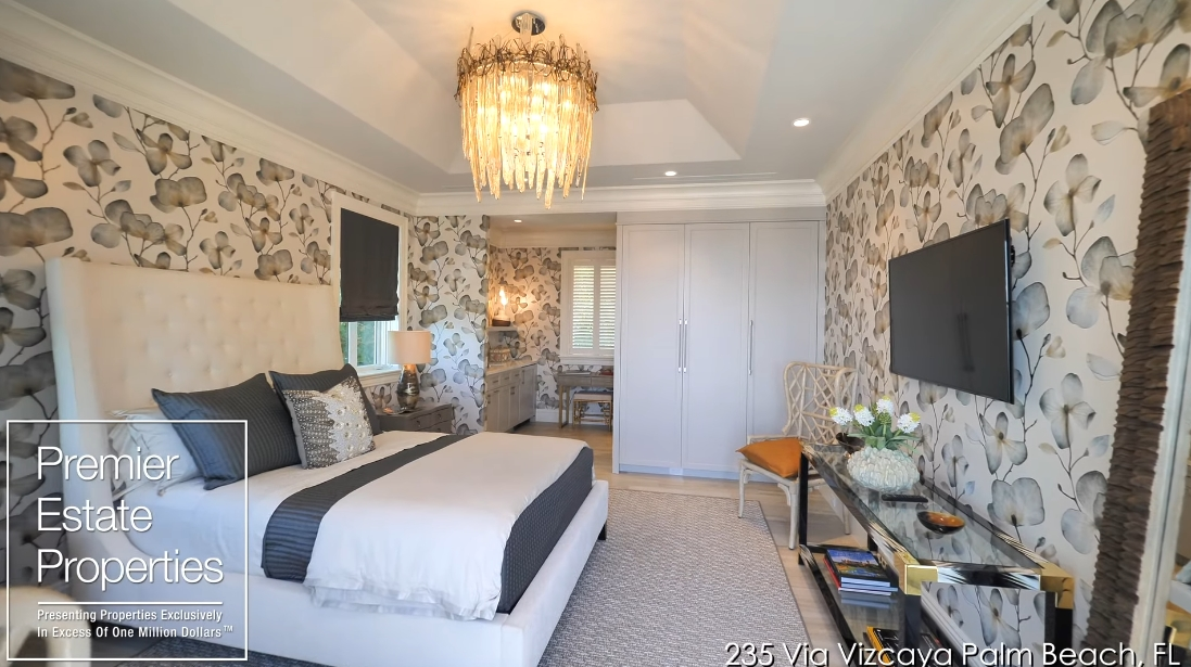 58 Interior Design Photos vs. 235 Via Vizcaya, Palm Beach, FL Luxury Home Tour