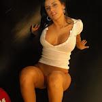 Andrea Rincon, Selena Spice Galeria 16: Linda Gorra Roja, Camiseta Blanca, Mini Tanga Roja Tipo Hilo Dental Foto 95
