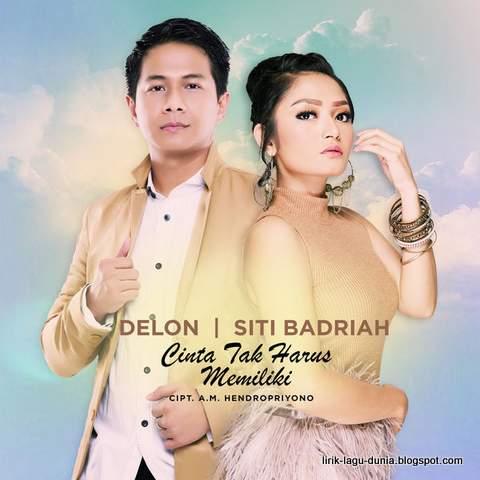 Delon dan Siti Badriah