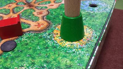 ジャングルマーケット ボードの花で穴を色分け
