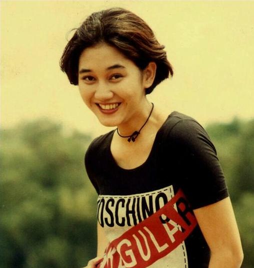 Chord Lagu Nike Ardila Tak Bersuara: Lagu Nike Ardila Album Duri Terlindung (1994) Lengkap Full