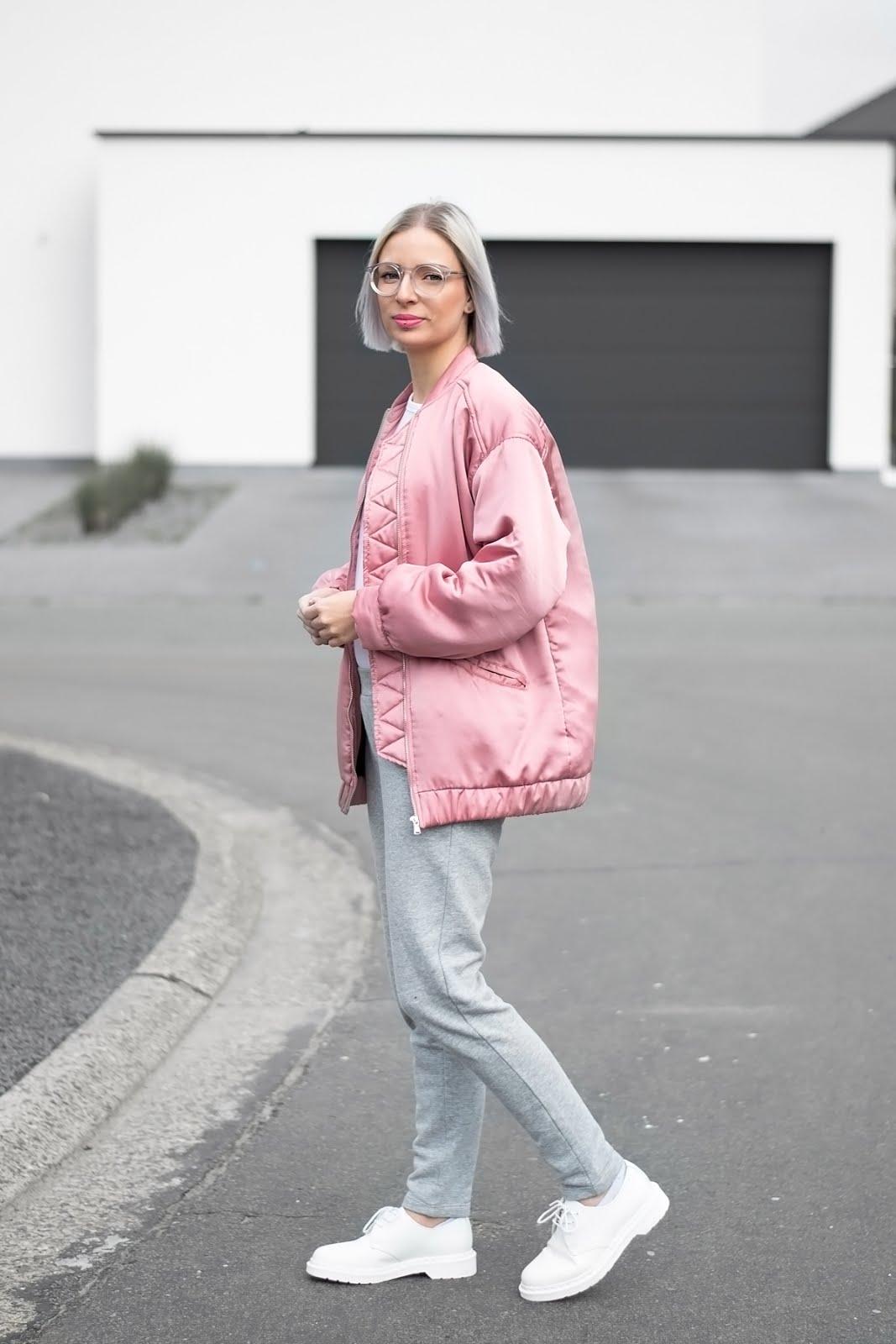 Mango pink oversized bomber jacket, Asos white longsleeve, Mango grey sweat pants, joggers, polette glasses, monochrome, white dr martens