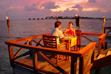 thailand honeymooning paradise exploresiam. Black Bedroom Furniture Sets. Home Design Ideas