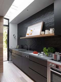 Cerna kuchyn