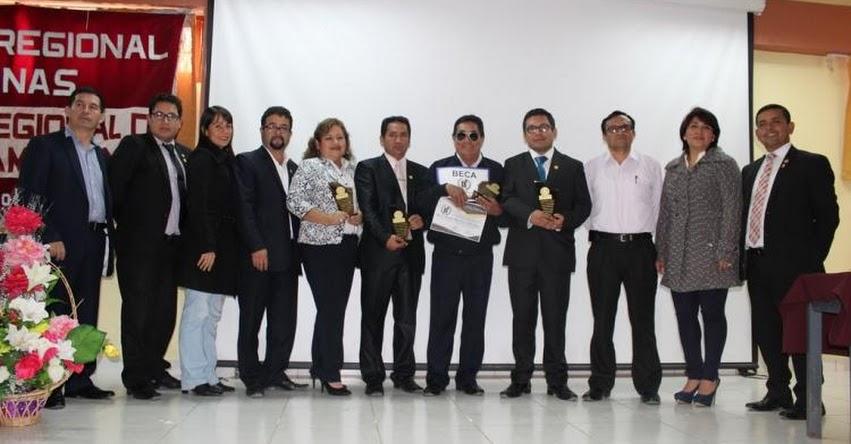 Premian a destacados profesores que ganaron distinciones «Maestro 20» y «Maestro Amazonas 2017»