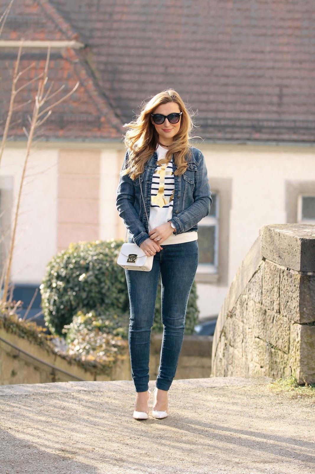 weiße-high-heels-streifen-pullover-blogger-fashionblogger-aus-deutschland