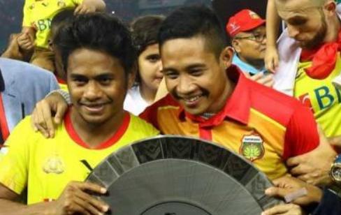AGEN BOLA - Berharap Jalan Tengah Dalam Transfer Evan Dan Ilham