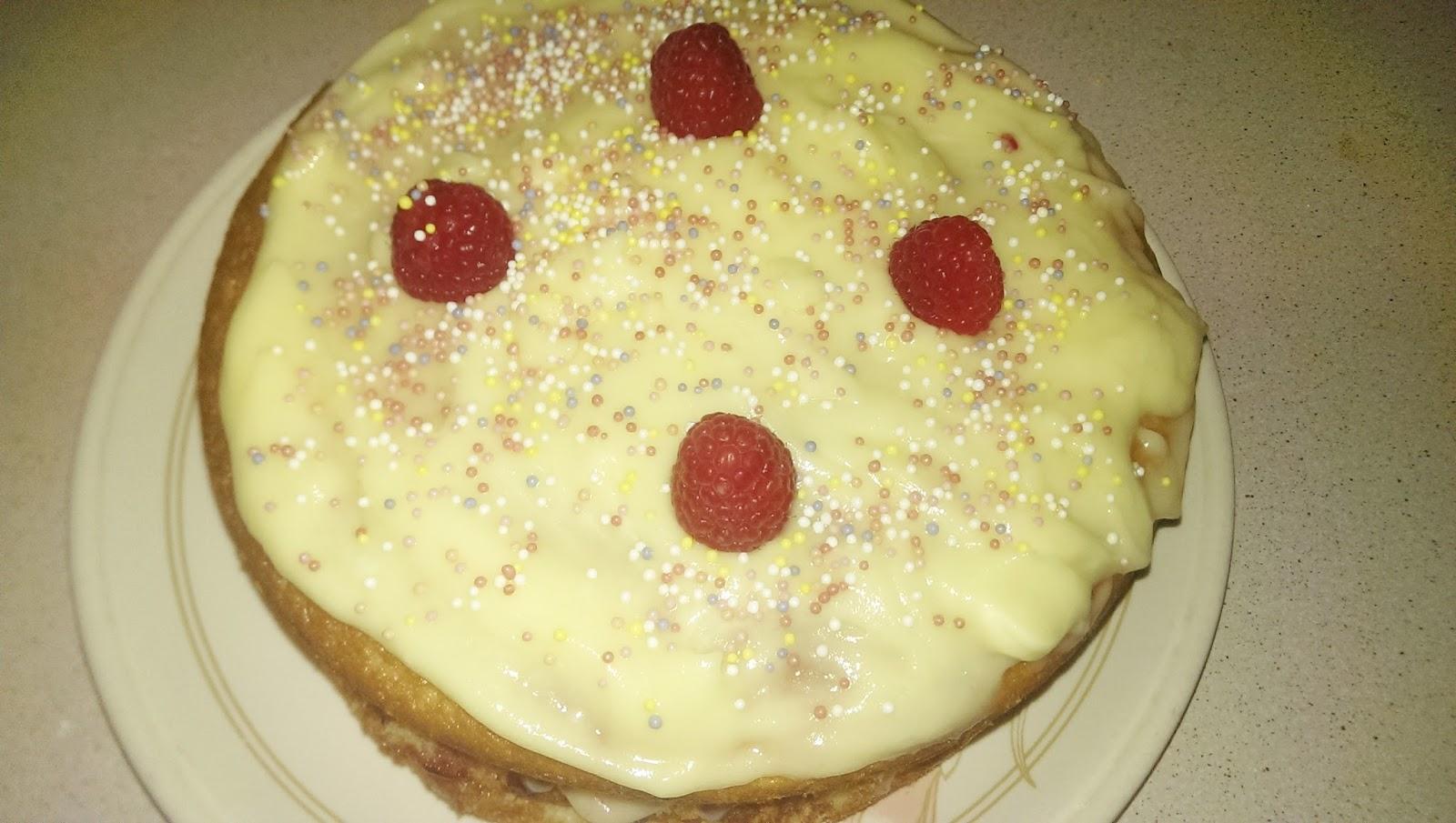 Raspberry & Vanilla Cake