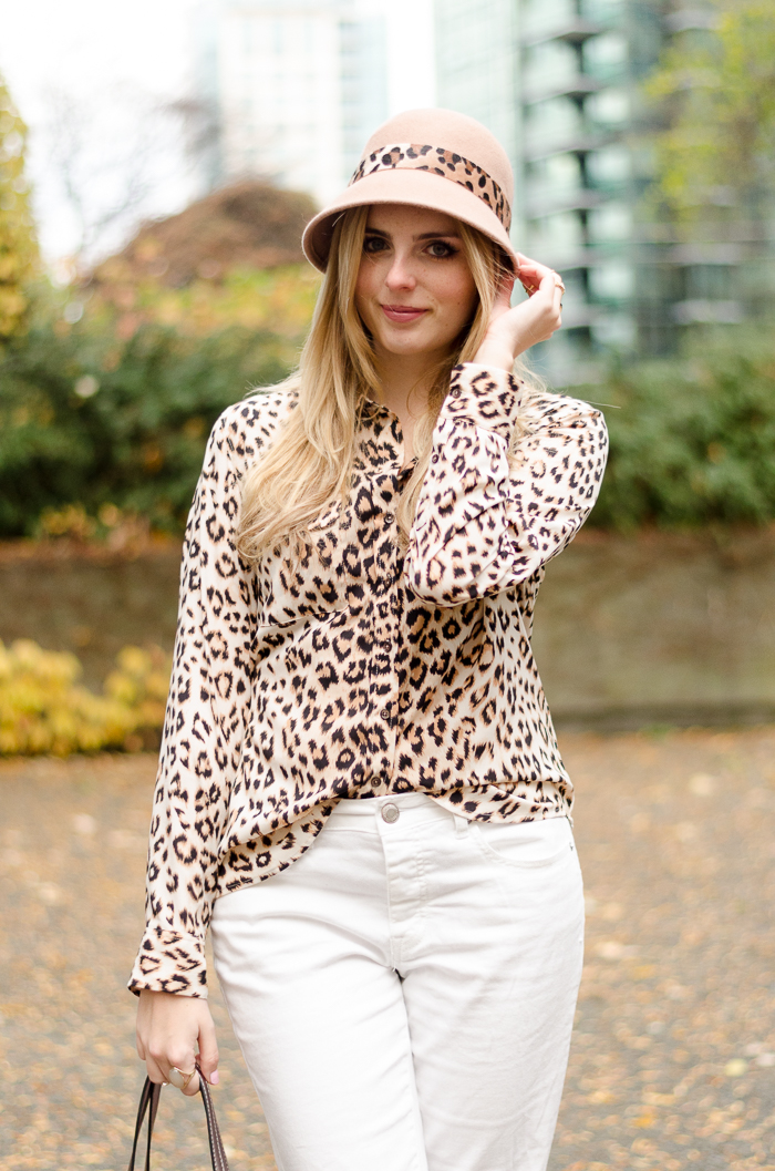 Vancouver Blogger, Outfit, Leopard Print blouse, Boyfriend Jeans, American Eagle, Aldo Accessories