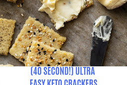 (40 SECOND!) ULTRA EASY KETO CRACKERS