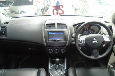 Interior Mitsubishi Outlander Sport Prefacelift