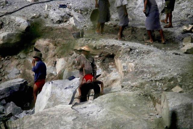အိခ်ယ္ရီေအာင္ (Myanmar Now) ● လႊတ္ေတာ္ကိုယ္စားလွယ္မ်ား သထံုေထာင္ကို ဝင္စစ္