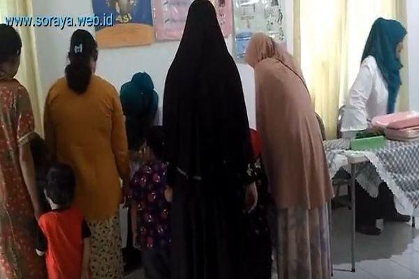 Kegiatan Ibu-Ibu di Posyandu Soka Perumahan Pondok Hijau Ciputat