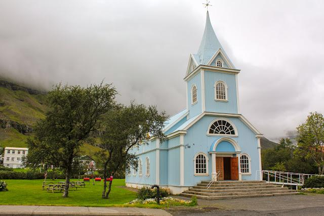 Iglesia luterana de Seyðisfjörður