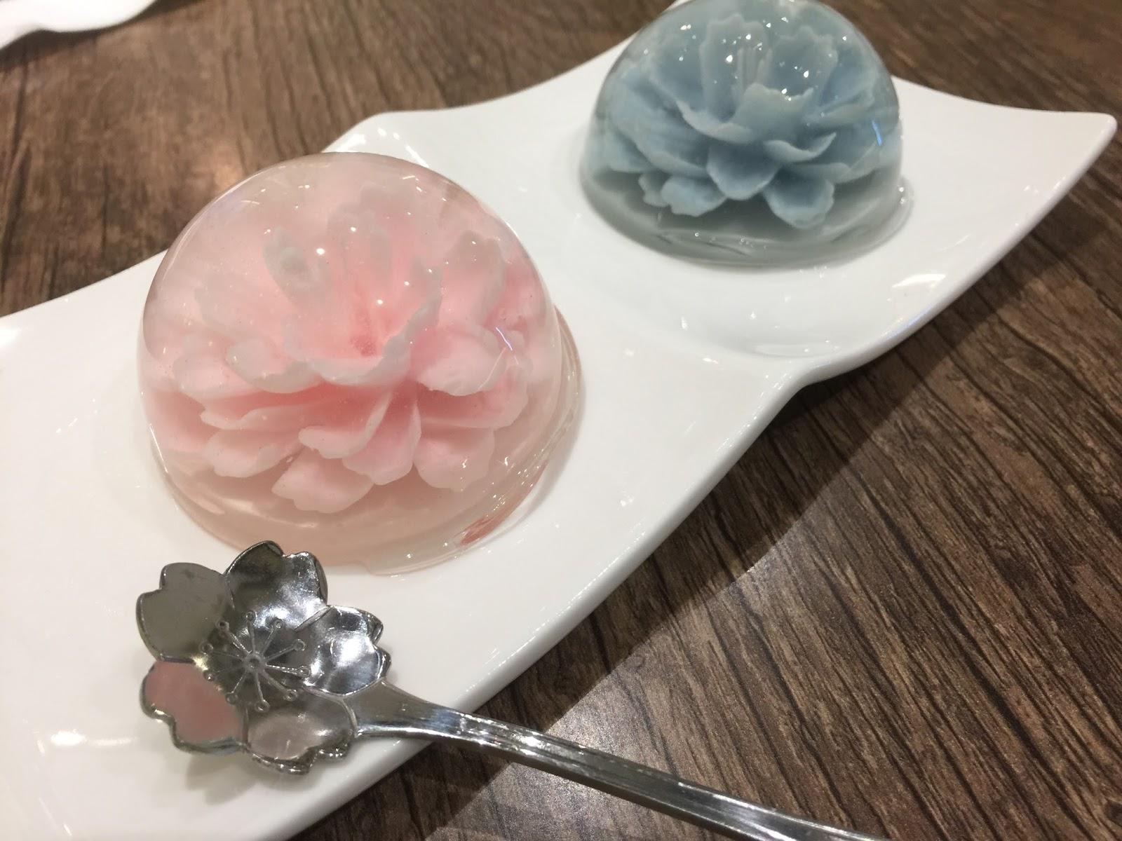 Rose Jelly Cake Recipe: Missklicious: La Floraison