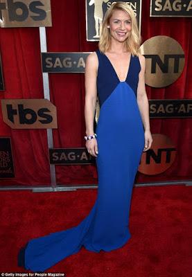 robe-de-soiree-bleu-star.jpg