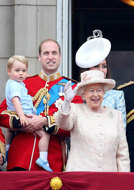Elizabeth II comemorou o reinado cristão mais longo da história com uma festa familiar