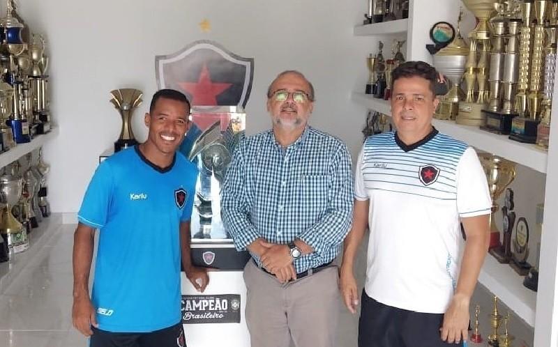 Marcos Aurélio finalmente se apresenta e Botafogo-PB inicia pré-temporada ee0c5c97fecb1