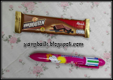 Coklat dan Pen