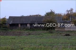 Деревня Веселое. Пугало на огороде