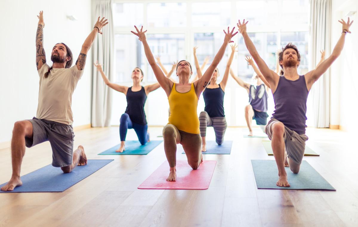 yoga, posturas,inbound,salud,horarios