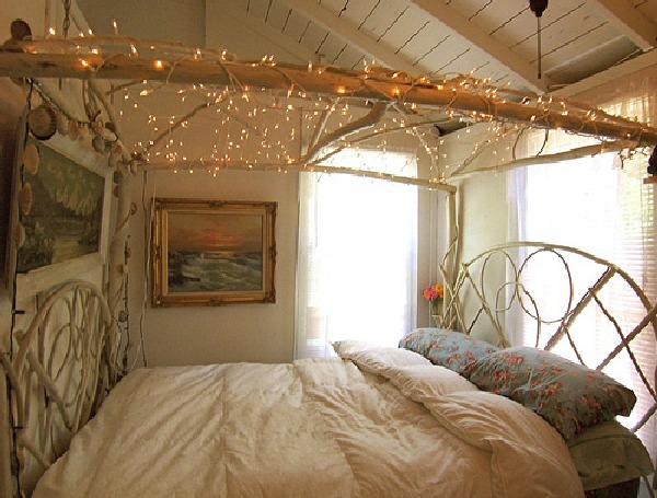Bedroom Decorating Ideas What To Hang Over The Bed: LoveUPaperly: Dreamy Beds With Canopy's And Lights