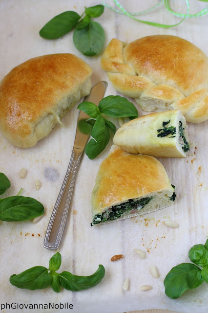 Pizzette con prosciutto cotto, ricotta e spinaci