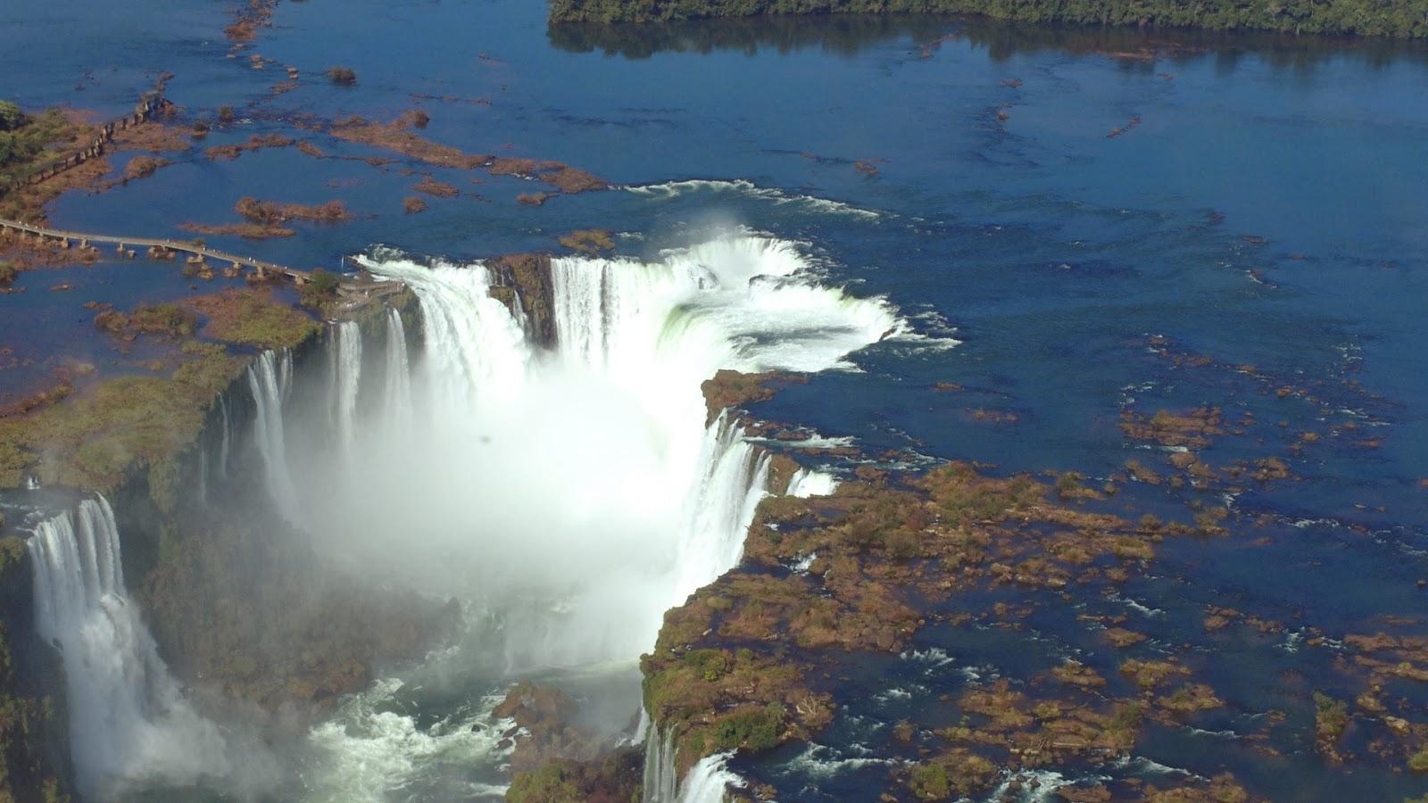 Achtergrond met een waterval