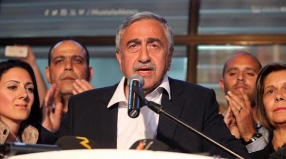 Ακιντζί: Εύχομαι και ο Τσίπρας να έρθει στη διάσκεψη για το Κυπριακό