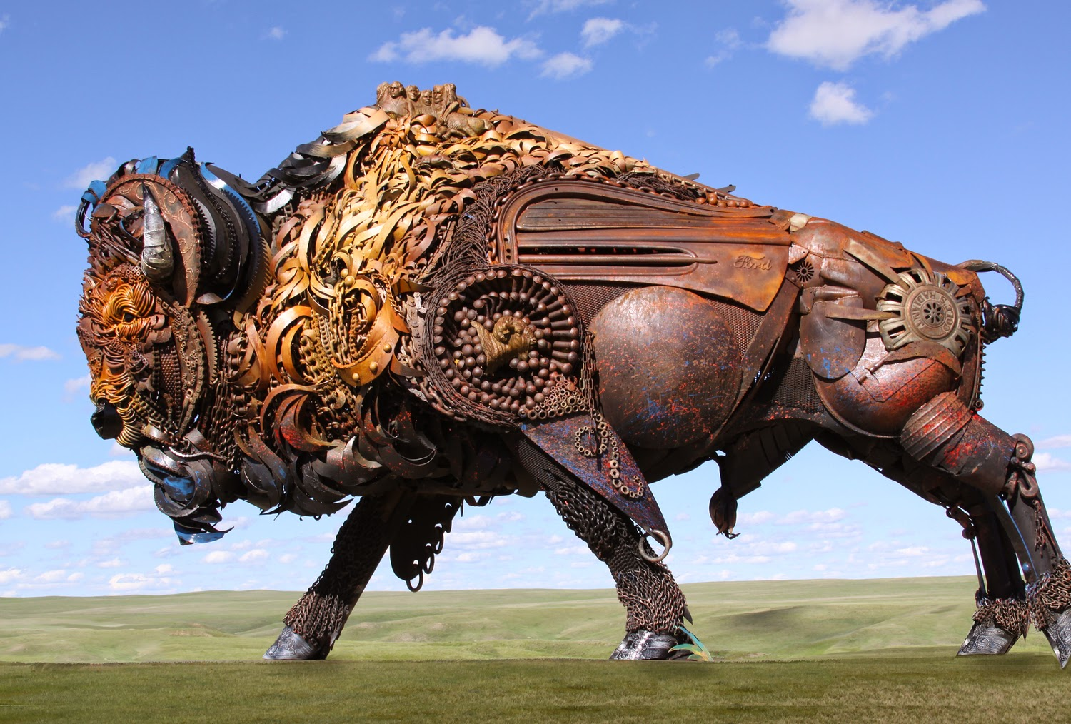 05-John-Lopez-Scrap-Iron-Animal-Sculptures-www-designstack-co