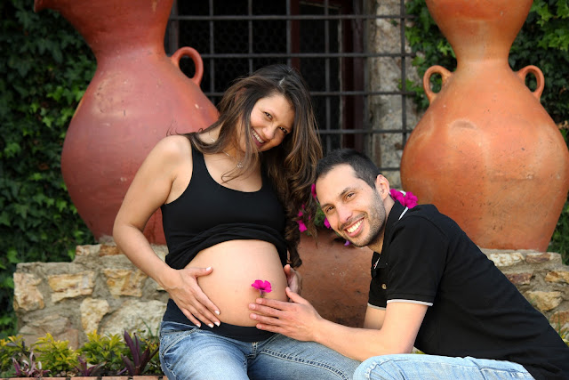 maternity photoshoot poses for couples