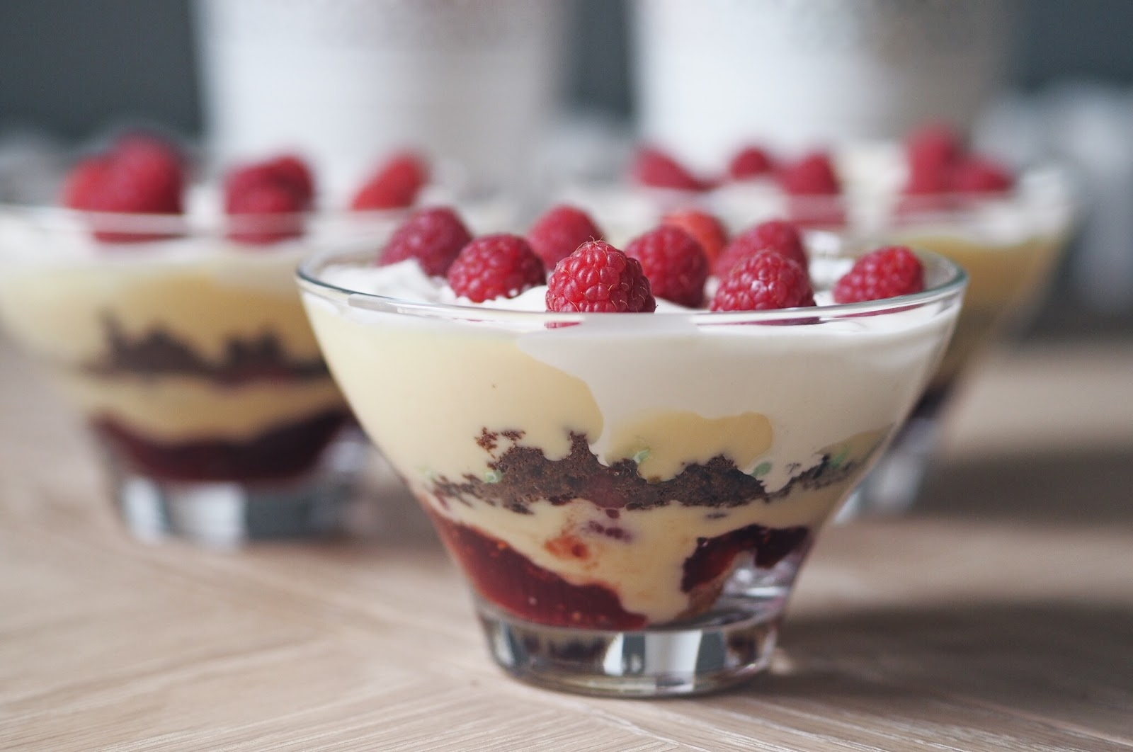 Fresh fruit trifle with cream