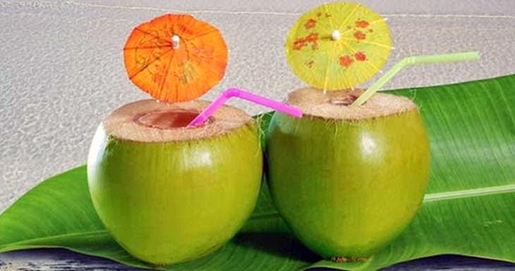 Manfaat Air Kelapa Muda Untuk Diet Sehat Alami