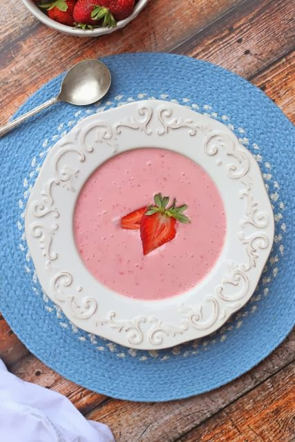 Healthy Strawberry Greek Yogurt Soup