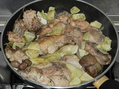 Pentole e fornelli coniglio arrosto con carciofi for Cucinare coniglio