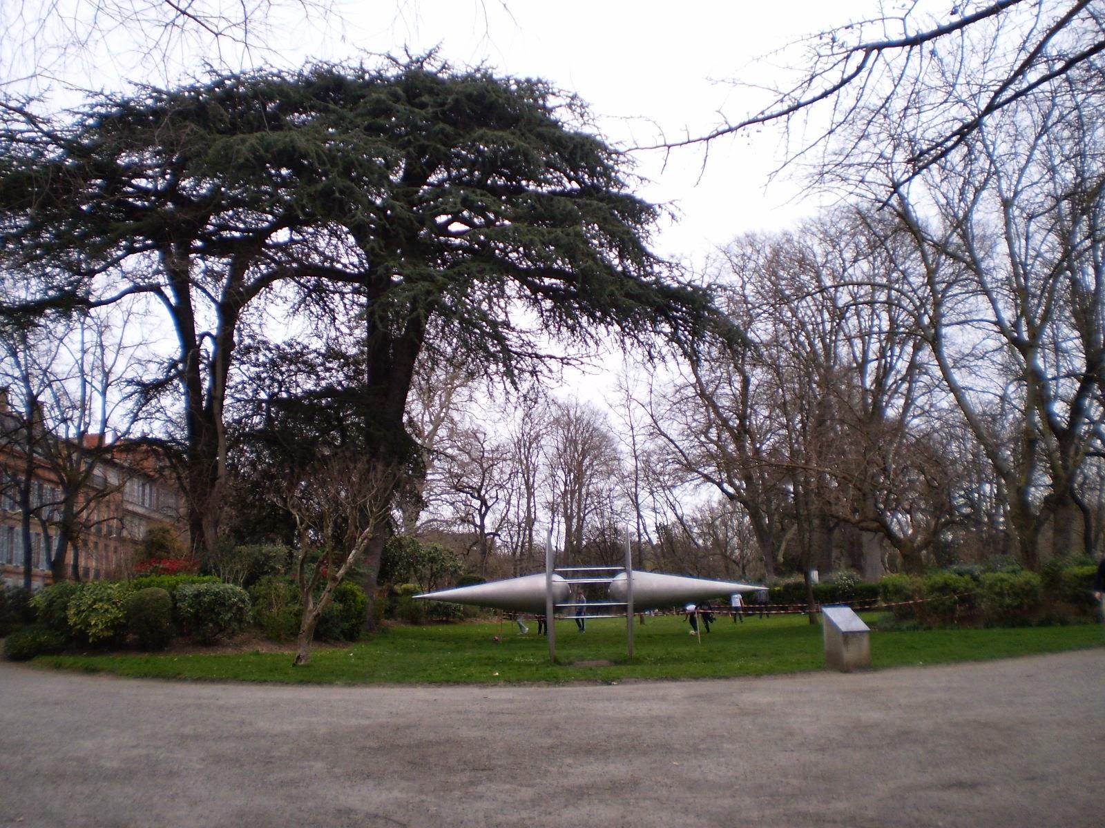 Viajar toulouse francia grandes bulevares y espacios for Jardin royal