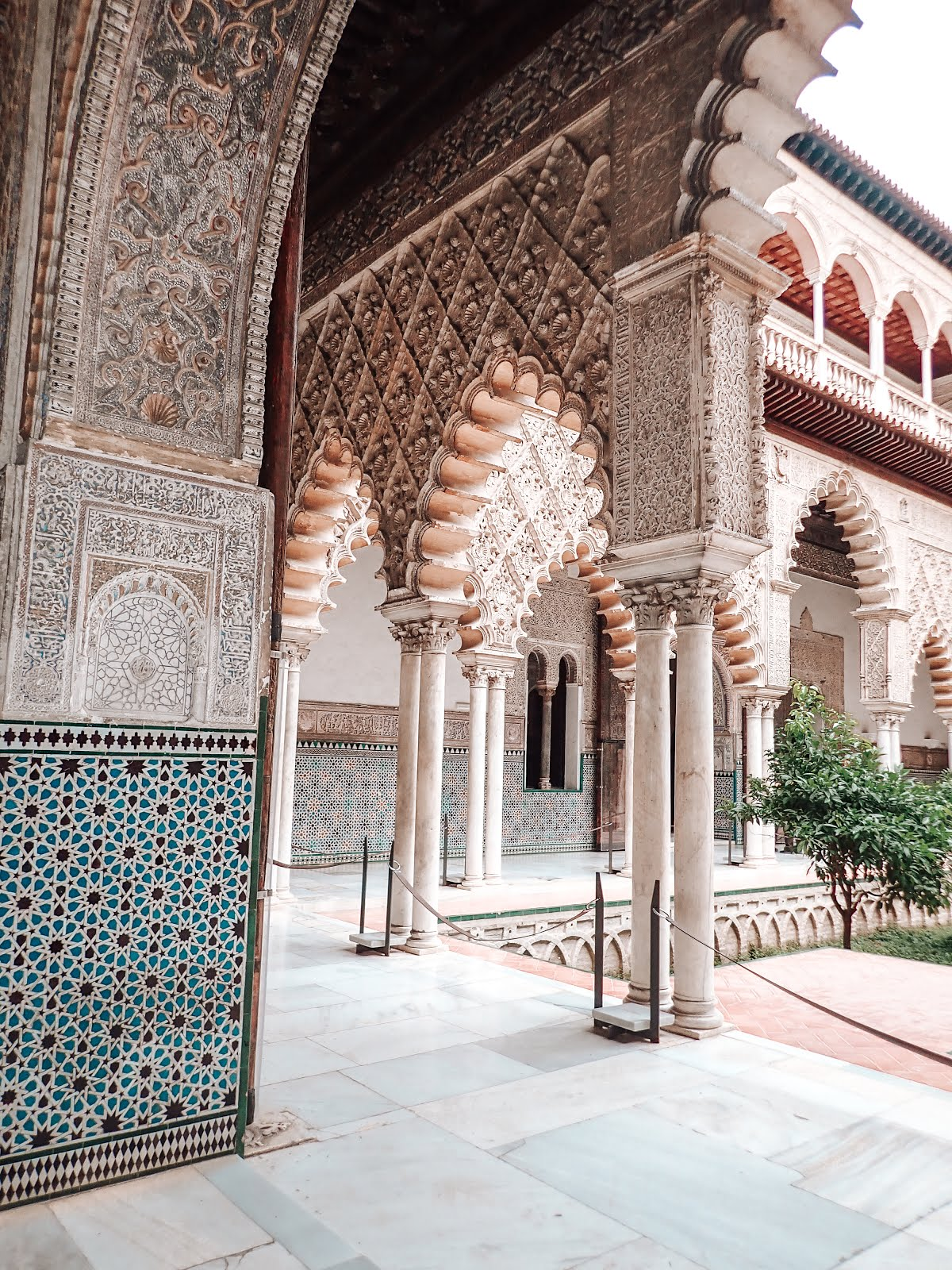 real-alcazar-architecture-islamique
