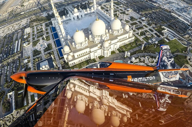 Beautiful Aerial View Of Sheikh Zayed Mosque In Abu Dhabi