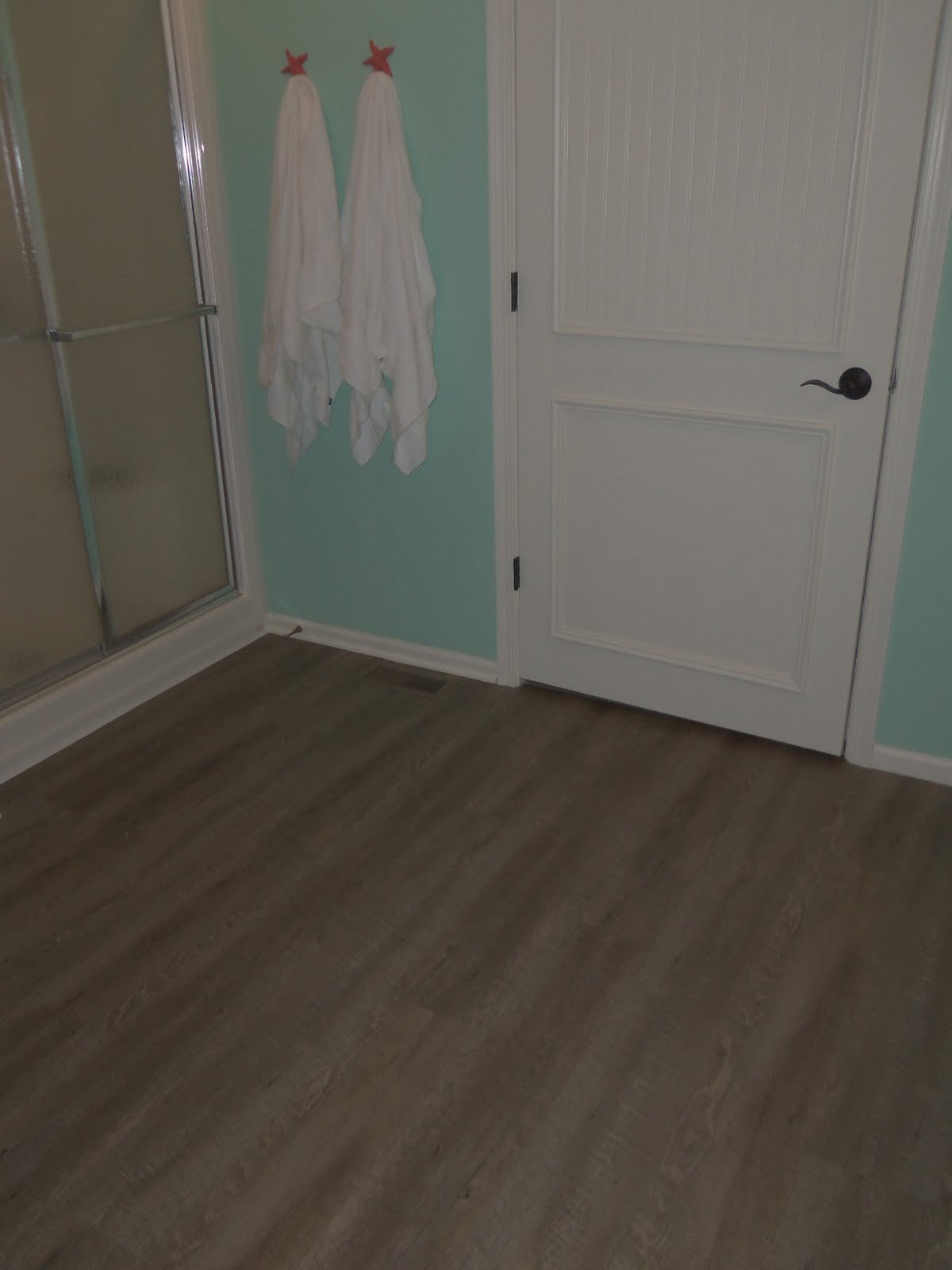 Vinyl Plank Master Bathroom: Simply Cottage Love: Installing Allure Ultra Flooring {DIY}
