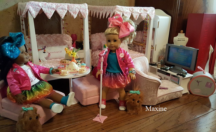 Living A Doll S Life Reader Photos Fun With Jojo Siwa