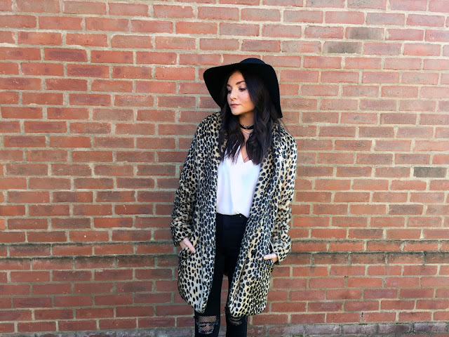 UK style blogger in leopard fur coat