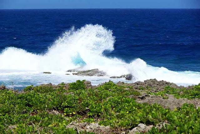circular wave, ocean, Zanpamisaki, Okinawa