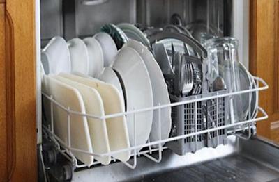 Πως να φτιάξετε σπιτικό απορρυπαντικό για το πλυντήριο πιάτων [ΒΙΝΤΕΟ]