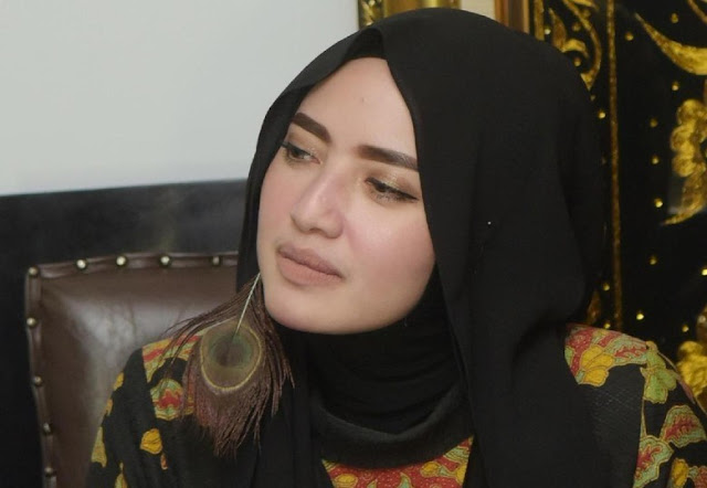 Yulia Mochamad Tak Mau Komentar soal 'Opick Bahagia Dengannya'